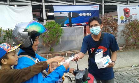 YRFI Bangka bagi-bagi masker redam asap (2)
