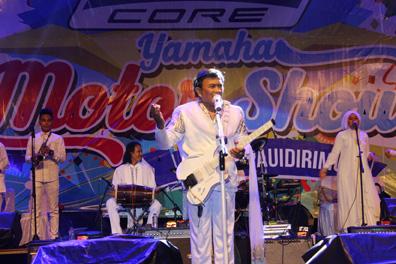 Rhoma Irama dan band Soneta tampil dalam event Blue Core Yamaha Motor Show dan soft launching Mio Z (2)