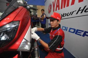 Peserta Yamaha Indonesia Technician Grand Prix (ITGP 2016 saat tes praktek (2) (1)