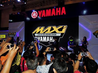 rider-yamaha-indonesia-memperlihatkan-produk-maxi-yamaha-di-indonesia-motor-show-imos-2016-2