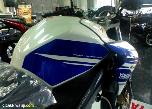 harga-yamaha-new-vixion-lightning-livery-motogp-2014-selisihnya-400-ribuan-dengan-versi-standart-jatim